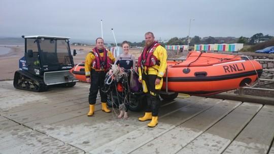 PR301015 Kitesurfer rescue