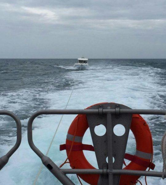 PR220816 Fishing boat tow (landscape)